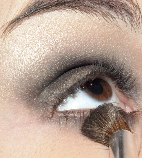 https://empireofmakeup.wordpress.com/2013/12/19/lart-de-lestompage-reussir-son-smoky-eyes/